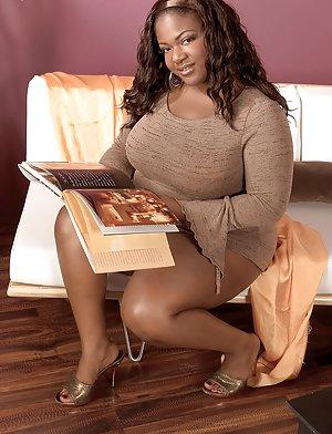 Ebony Mature Pictures