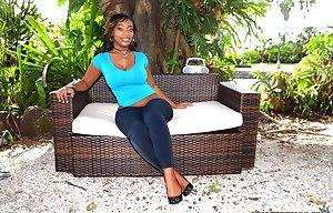 Ebony Sexy Legs Pictures