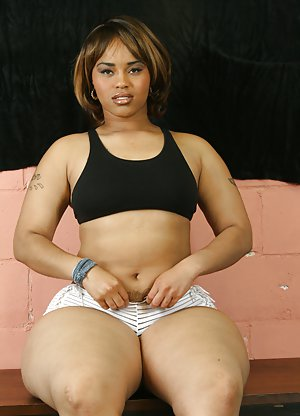 Fat Ebony Pussy Pictures